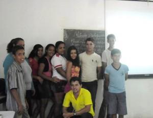 Exercício também em sala de aula facilitou troca de avaliações das fotos tiradas pelos próprios alunos. Foto: Sucena Shkrada Resk/ICV
