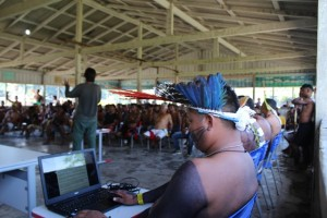 Oficina indígena realizada em abril deste ano. Foto: Caio Mattos/Divulgação