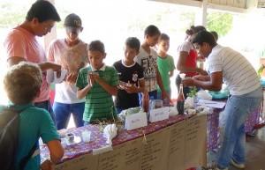 Estudantes de todas as idades, educadores e agricultores familiares participaram do evento. Foto: Sucena Shkrada Resk/ICV