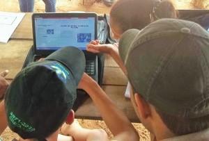 A oficina de vídeo é uma atividade de educomunicação ministrada pelo Núcleo de Comunicação do ICV. Foto: Sucena Shkrada Resk/ICV