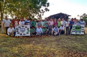 Curso sobre manejo racional - bem estar animal foi realizado para funcionários e proprietários de fazendas do Programa Novo Campo. Foto: Raíssa Genro/ICV
