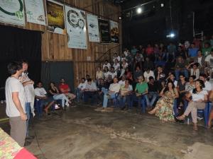 Público variado participou do evento. Foto: Sucena Shkrada Resk/ICV